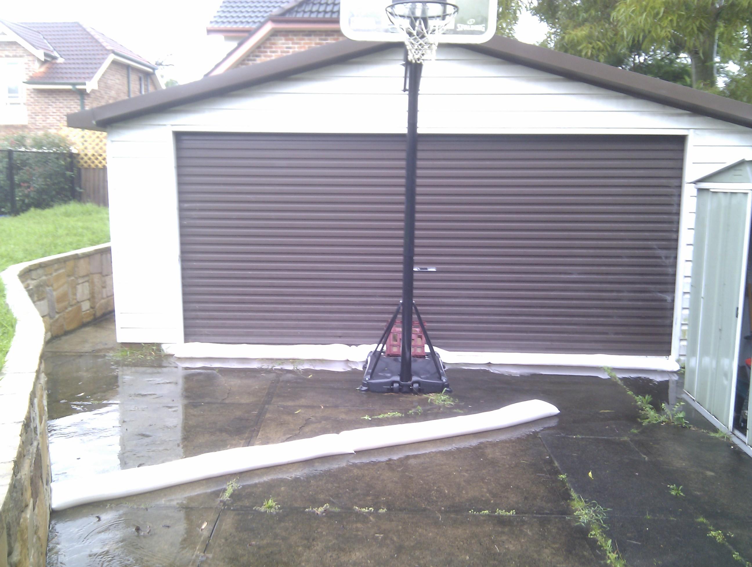 How to sandbag garage door
